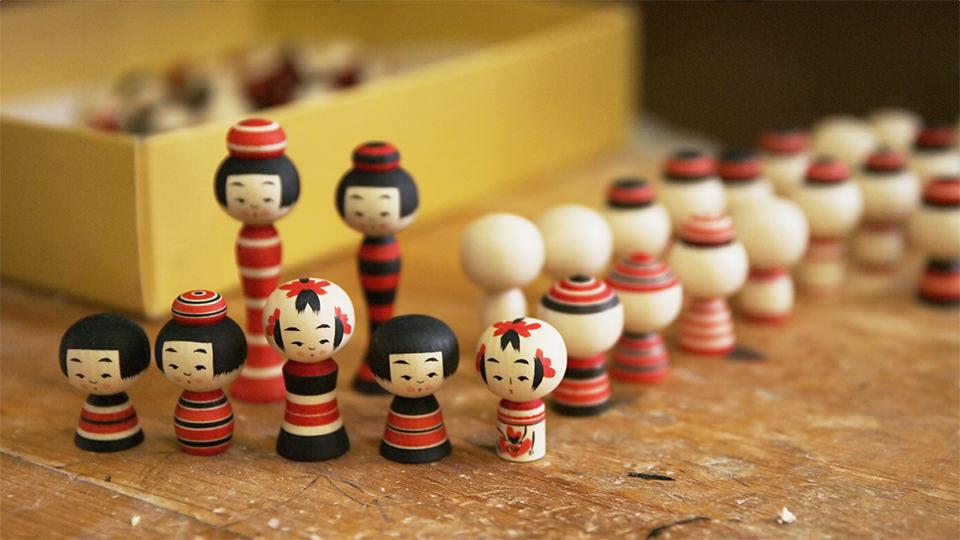 센다이고케시 - Sendai Kokeshi (Wooden Doll)