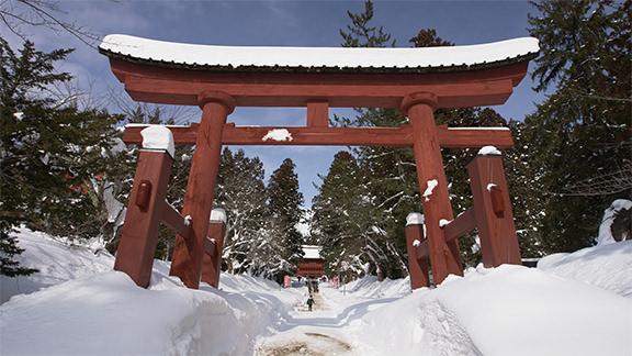 Iwakiyama Shrine - 岩木山神社
